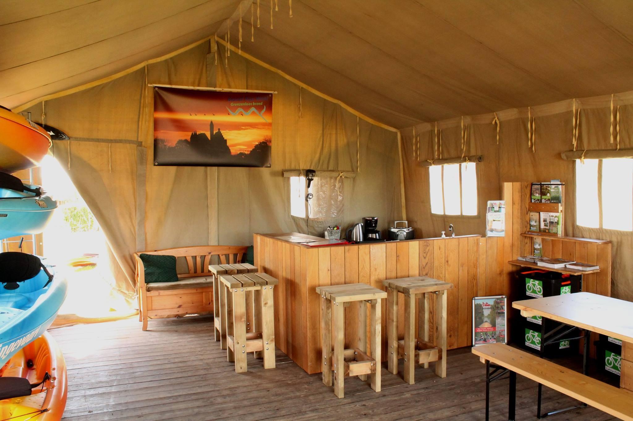 Safaritent bij Lingevaart